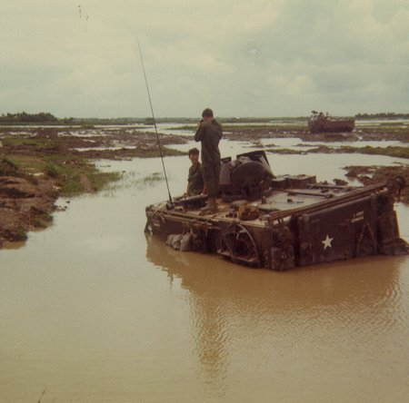 El M113 APC 12603