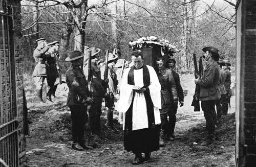 Richthofen_funeral_1_